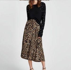 Zara (Black Pearl Sweater)